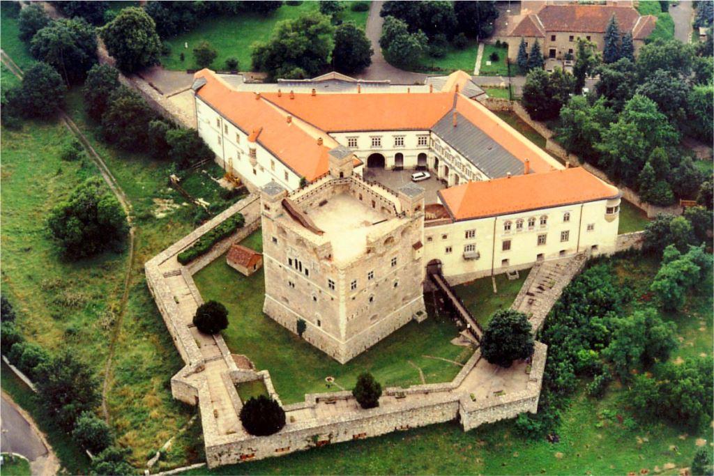 Tokaj-4-Zamek w Sarospataku